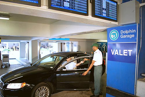 Valet Parking - Concourse D, 2nd level - North Terminal